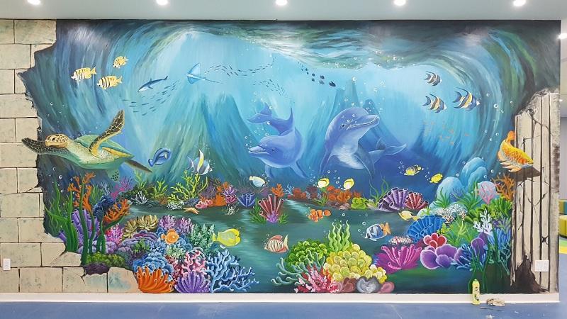vẽ tranh tường hoạt hình biển cả